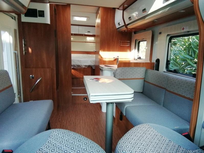 Camping car Profilé Lit central.  Laika Cosmo 512 Emblema. 2021